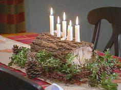 Handmade yule log - holly boughs and pine cones Log Cabin Christmas, Swedish Christmas, Natural Christmas, Christmas Table Settings, Christmas Centerpieces, Christmas Decorations, All Things Christmas, Christmas Holidays, Advent