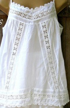 simple date outfits Apron Dress, Blouse Dress, Diy Fashion, Fashion Outfits, Linen Tunic, Heirloom Sewing, Lace Tops, Sewing Clothes, White Tops