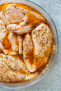 Lemon herb chicken breasts Juicy lemon herb chicken breasts are the perfect easy protein and perfect for quick cooking. The lemon herb marinade is easy and is delicious with chicken. Healthy Chicken Recipes, Meat Recipes, Cooking Recipes, Recipe Chicken, Chicken Salad, Healthy Grilled Chicken Recipes, Lemon Recipes, Butter Chicken, Recipes Dinner