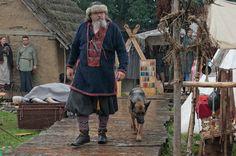 Wolin Slavs and Vikings Festival Viking Men, Viking Life, Vikings, Viking Reenactment, Medieval Costume, Norse Clothing, Germanic Tribes, Old Norse, Anglo Saxon