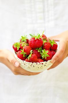 EAT HEALTHY Bowl of strawberries