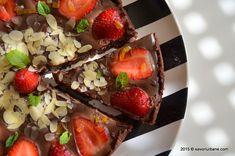 Tarta cu capsuni si ciocolata - fara coacere | Savori Urbane Food And Drink, Sweets, Baking, Ethnic Recipes, Desserts, Pie, Sweet Pastries, Goodies, Patisserie