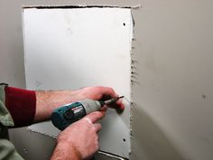 How to repair cracks and holes in drywall