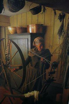 Ahhhhh, i love Tasha Tudor. Spinning on a great wheel.