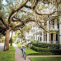 Beaufort, South Carolina | The curving, tidal Beaufort River wraps around the 303-year-old downtown and offers up terrific scenery in most directions.