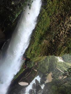 Cascada del pailón del Diablo vista desde el puente colgante 1