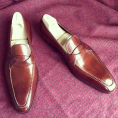 http://chicerman.com  saintcrispins:  Mod. 702 - dress loafers with hand stitched apron MTM for Oslo #saintcrispins  #menshoes
