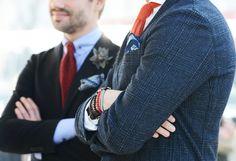 Tommy Ton Shoots Street Style at the European Men's Shows Navy Blazer Men, Plaid Blazer, Navy Blazers, Plaid Coat, Blazer Fashion, Mens Fashion, European Men, Mens Silk Ties, Dapper Men