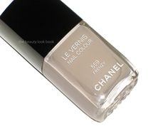 FALL 2012   (Chanel Frenzy 559 Le Vernis)