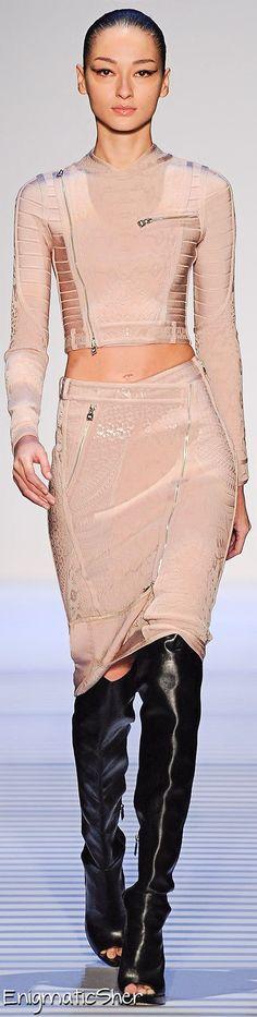 Hervé Léger By Max Azria fall/winter 2014 collection – New York fashion week New York Fashion, High Fashion, Fashion Show, Fashion Outfits, Womens Fashion, Fashion Design, Fashion Weeks, Fall Fashion, Style Fashion