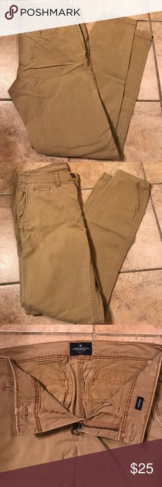 Men's American Eagle Khaki Pants Excellent condition! American Eagle Outfitters Pants Chinos & Khakis