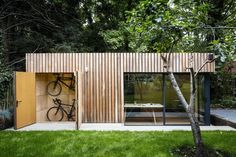Amazing Shed Plans - Office shed with bike storage Now You Can Build ANY Shed In A Weekend Even If You've Zero Woodworking Experience! Start building amazing sheds the easier way with a collection of shed plans! Shed Office, Backyard Office, Outdoor Office, Backyard Studio, Outdoor Rooms, Outdoor Living, Garden Office Uk, Garden Rooms Uk, Summer House Garden