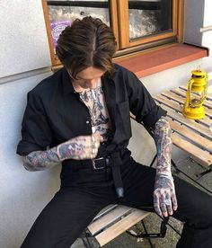 Discover recipes, home ideas, style inspiration and other ideas to try. Beautiful Boys, Pretty Boys, Beautiful People, Look Fashion, Mens Fashion, Fashion Design, Fashion Art, Moda Indie, Mode Swag