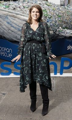 Princess Eugenie announced her new ambassadorship of Project wearing a Claudie Pierlot Romilly dress and Isabel Marant Lokyo boots. Royal Fashion, Fashion Photo, Navy Blue Dresses, Nice Dresses, Lady Amelia Windsor, Eugenie Of York, Princess Beatrice, Crown Princess Victoria, Victoria Dress