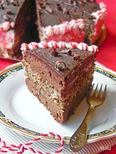 a Martisor cake? Chocolate Flowers, Chocolate Cake, Bacon Chocolate, Romanian Food, Romanian Recipes, Mother Recipe, Tasty, Yummy Food, Something Sweet