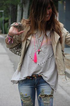 ethnic jeans and leather jacket | mytenida en stylelovely.com                                                                                                                                                                                 Más