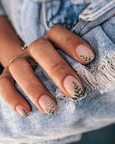 Nailed it! 15 x fleurige nagelinspiratie om de komst van de . Minimalist Nails, Stylish Nails, Trendy Nails, Cute Acrylic Nails, Cute Nails, Glitter Acrylics, Hair And Nails, My Nails, Dream Nails