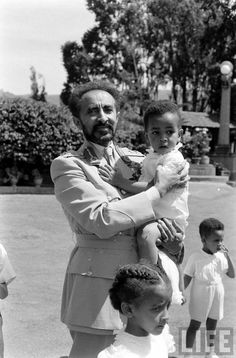 Emperor Haile Selassie & Empress Menen of Ethiopia in '1955' (1947-1948 E.C) Alfred Eisenstaedt photographs - Life Magazine Collection - Ethiopia Essay '55 hosted by Google Images.google.com/hosted/life