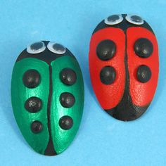 Click to enlarge image: Love bugs with 3-D dots