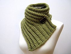 TUTORIAL +++ WOW +++ A LA BROCHE - 250vgs - 9poX33po - 10.5-13mm --- Fear of Commitment Cowl pattern by Julie Weisenberger