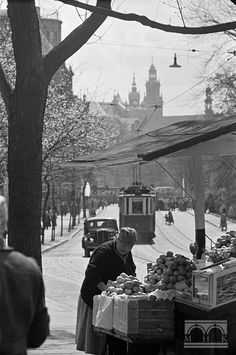 Krakow Poland, Photography Workshops, World War Two, Planet Earth, Vintage Photography, The Locals, Old Photos, Nostalgia, Lens