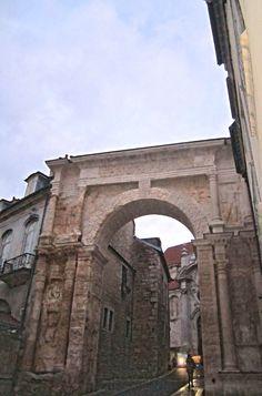 The black gate - Besançon, France