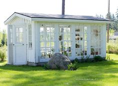 Backyard Greenhouse Ideas This particular window greenhouse is seriously a superb design technique. Porch Plants, Outdoor Plants, Outdoor Gardens, Window Greenhouse, Backyard Greenhouse, Greenhouse Wedding, What Is A Conservatory, Conservatory Plants, Victorian Conservatory