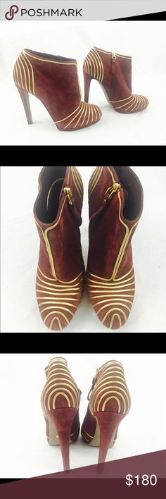 Sergio Rossi maroon gold suede ankle booties 100% authentic, made in Italy. Size 37/7, pre-owned without box. In overall great condition, some signs of wear on suede and heel. Sergio Rossi Shoes Ankle Boots & Booties