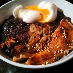 At 509 #calories, I made this delicious #lowcalorie #glutenfree #ramennoodles dish. Perfect to eat  on a cold day like today. Black rice noodles made by Lotus Foods @lotusfoods. How do you like your noodle soup prepared? Tune in for more gluten free #cooking with #gfsonise! #eggs #truecooks #chopsticks #noodlebowl  #foodporn #foodie #healthy #foodgasm #nomnom #gym #ramenbowl #spicy #Japanese #ramen #comfortfood #chicken #noodle #soup #garlic #fit #lunch #testkitchen #dinner #noodlesoup