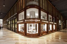 Florsheim store in Milan, P.za San Babila. By ZPSTUDIO