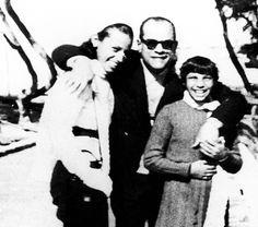 Naguib Mahfouz Mahfouz, Naguib (Short Story Criticism) - Essay