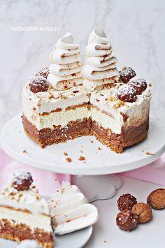 Salted Caramel Chocolate Cake - Baker by Nature Polish Desserts, No Bake Desserts, Just Desserts, Salted Caramel Chocolate Cake, Nutella Cake, Cheese Bites, Happy Foods, Dessert Drinks, Sweet Cakes