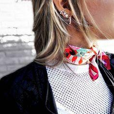 Un #pañuelo y... voilá!. ◇Nueva colección otoño invierno◇ Pañuelo satinado Velvet Waves 45x45. 🔜Sábado 18 feria Laguna azul de 12hs a 00hs los esperamos!. • • • #moda #tendencia #instafashion  #love  #instamoda #tendencias #diseño #handmade #lookoftheday #model #fashion #estilo #trend #hechoamano #arte #design #hechoconamor #crafts #diy #decoracion #summer #vsco #vscocam #vscogood #instalike #photooftheday #cordoba