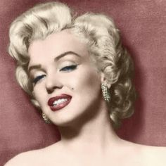 """The photo """"Marilyn Monroe"""" has been viewed times. Marilyn Monroe Fotos, Marylin Monroe, Irene, Cinema Tv, Some Like It Hot, Norma Jeane, Timeless Beauty, Classic Beauty, Vintage Hollywood"""