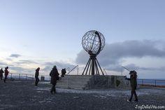 YouTuber EiQu Miller at North Cape in November by Travelblog JoyDellaVita