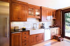 Unique Awesome Craftsman Kitchen Cabinets Craftsman Style Kitchen interior decorating tips from our interior designer, Evelyn Carter with 75 kB and Cottage Kitchen Cabinets, Kitchen Cabinet Styles, Kitchen Redo, Kitchen Backsplash, New Kitchen, Kitchen Remodel, Country Kitchen, Kitchen Ideas, Farmhouse Cabinets