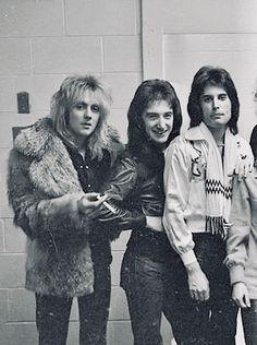 Check out Queen @ Iomoio John Deacon, Queen Photos, Queen Pictures, I Am A Queen, Save The Queen, Roger Taylor Queen, Ben Hardy, We Will Rock You, Invisible Man