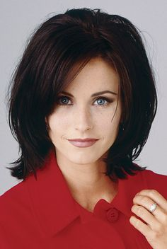 For her role as Monica on Friends, Courteney slimmed down, trimmed her brows and styled a sleek, layered hair 'do.