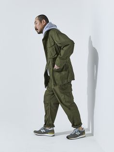 Cargo Pants Outfit, Cargo Pants Men, Military Fashion, Mens Fashion, New Balance Outfit, Future Clothes, Clothing And Textile, Japan Fashion, Slacks