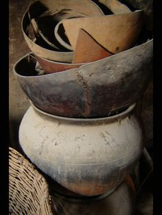 clay pots (by intransit)