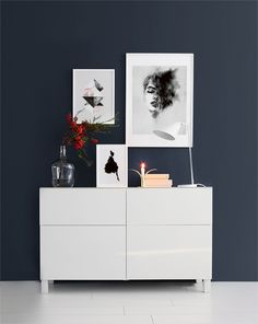 Find inspiration for creating a picture wall of posters and art prints. Endless inspiration for gallery walls and inspiring decor. Create a gallery wall with framed art from Desenio. Picture Wall, Picture Frames, Photo Wall, Interior Styling, Interior Design, Nordic Home, Decor Room, Hanging Art, Dream Bedroom