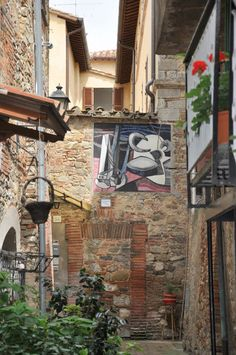 """The painted walls in Mugnano and Zola's """"The Masterpiece"""" - Italian Ways Perugia Italy, Best Of Italy, Painted Walls, The Masterpiece, The Province, Country, World, Places, Travel"""