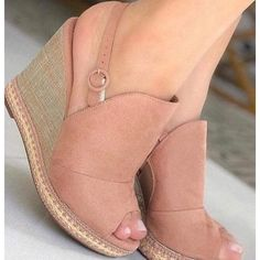 42 Platform Casual Shoes For You This Spring - Shoes Market Experts Pretty Shoes, Cute Shoes, Shoe Wardrobe, Everyday Shoes, All About Shoes, Shoes Heels Wedges, Spring Shoes, Casual Shoes, Fashion Shoes