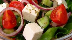 Iceberg salad with tomatoes and feta cheese Salads are always welcomed, easy to prepare nourishing and they help us maintain our figure. There are many, many recipes but I … Feta Cheese Recipes, Cheese Salad, Feta Salad, Low Carb Recipes, Cooking Recipes, Healthy Recipes, Healthy Salads, Iceberg Salad, Cheese Ingredients