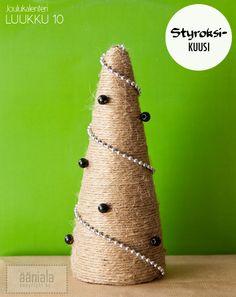 DIY Styrofoam Christmas tree Christmas Trees, Diy Christmas, Holiday, Little Christmas, Christmas And New Year, Christmas Calendar, Alternative, Seasons, Crafty