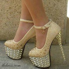 Glamorous light gold spiked stillettos