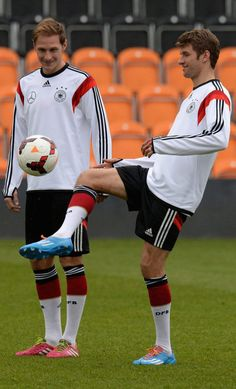 Benedikt Höwedes and Thomas Müller