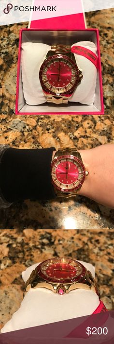 Taking offers!!! ✨Authentic Juicy Couture Watch✨ Still in box in perfect condition. No flaws. Pink and gold✨ Extra link included in box! Juicy Couture Jewelry