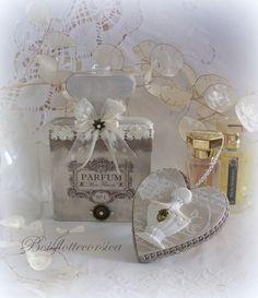 Lot de 2 décorations sur le thème du parfum en bois chantourné -SPÉCIAL CADEAU NOËL !