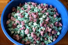 Colored Popcorn -   ¾ cup Juicy Juice, 1 cup sugar, food coloring, 2 TBSP powdered sugar, 8 cups White Corn Popcorn, popped Directions In saucepan, combine Juice and sugar. Bring to boil over high heat until temperature reaches 238F, add food coloring and turn off heat.   In large bowl, pour sauce over popcorn, sprinkle with powdered sugar and mix. Mix until there is no liquid left in bottom of bowl and popcorn is evenly coated.  Evenly spread out on wax paper until dry.